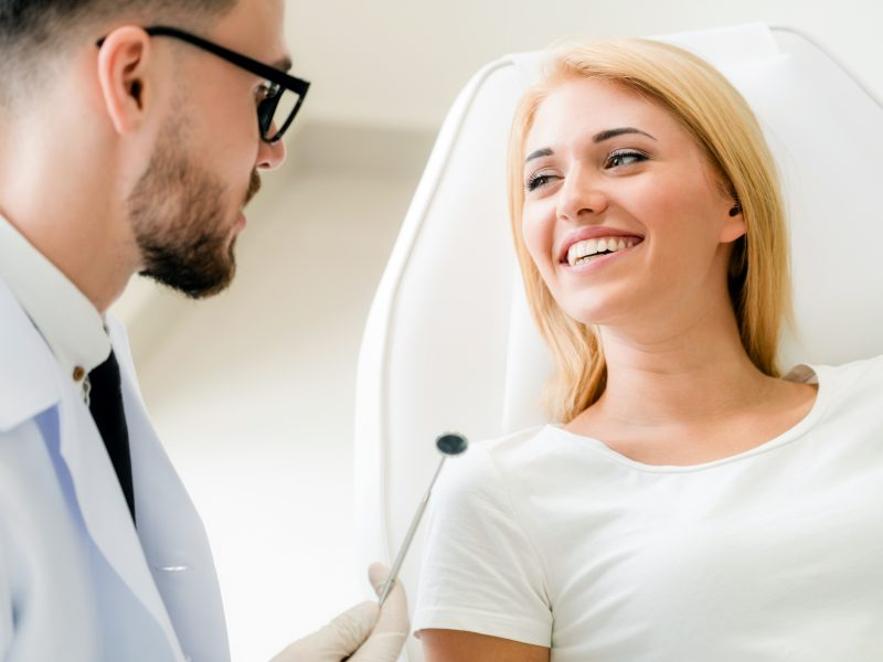 5 Important Questions to Ask Your Orthodontist Before Invisalign Treatment